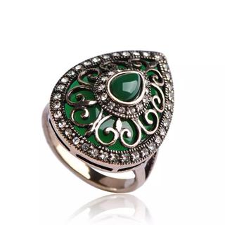 新品) アンティーク調の指輪 ゴールドxグリーン(リング(指輪))