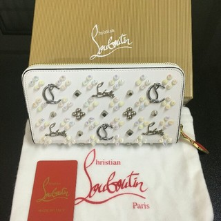 クリスチャンルブタン(Christian Louboutin)の人気美品CHRISTIAN LOUBOUTIN長財布(財布)
