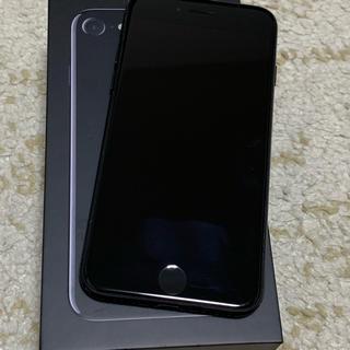 アイフォーン(iPhone)のiPhone7 ジェットブラック(スマートフォン本体)