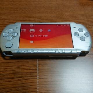 プレイステーションポータブル(PlayStation Portable)のPSP-3000 シルバー(携帯用ゲーム本体)