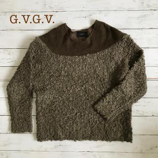 ジーヴィジーヴィ(G.V.G.V.)の美品、送料無料⭐️G.V.G.V.ループニット カーキ(ニット/セーター)