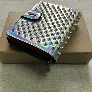 クリスチャンルブタン(Christian Louboutin)のChristian Louboutin クリスチャン ルブタン 二つ折り財布(財布)