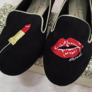 ランダ(RANDA)のRANDリップ刺繍ローファー💋💋💋(ローファー/革靴)