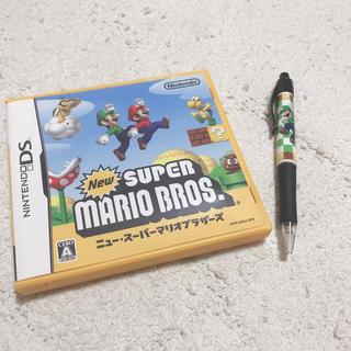 ニンテンドウ(任天堂)のスーパーマリオDS(携帯用ゲームソフト)
