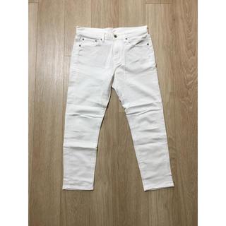 ジーユー(GU)のGU 白パンツ(カジュアルパンツ)