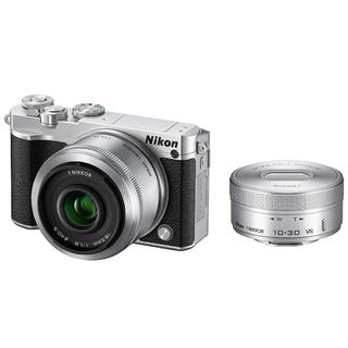 ニコン(Nikon)の美品!ニコン J5 10-30mm 18.5mm ダブルレンズセット(ミラーレス一眼)