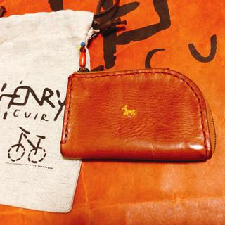 エンリーべグリン(HENRY BEGUELIN)の[美品]アンリークイール コインケース わんちゃんの刺繍(コインケース)