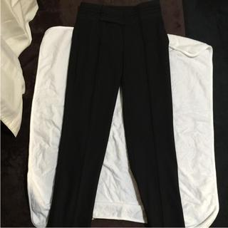 ザラ(ZARA)のズボン(カジュアルパンツ)