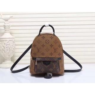 LOUIS VUITTON - LOUIS VUITTON  レザー リュックサック LV