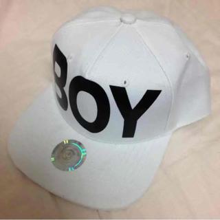 ボーイロンドン(Boy London)の宮城舞 まいぷぅ サイン入り BoyLondon(キャップ)