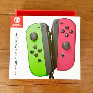 ニンテンドウ(任天堂)の【新品!!】Nintendo Switch Joy-Conスプラトゥーン仕様🎀(家庭用ゲーム本体)