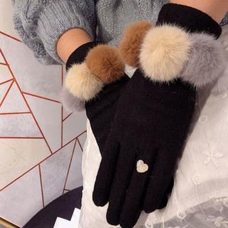 配色ぽんぽんファーグリッターハートマリッジリング指輪手袋グローブ防寒レディース (手袋)