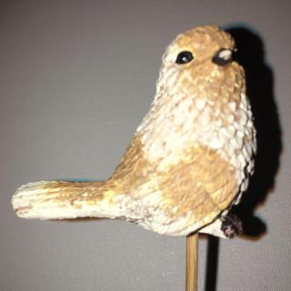 ガーデンピック ポリストーン  上品なラメ感に背筋が伸びてるシュッとした鳥(インテリア雑貨)