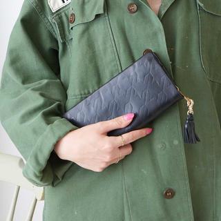 パピヨネ(PAPILLONNER)のチドリ型押しレザー財布(財布)