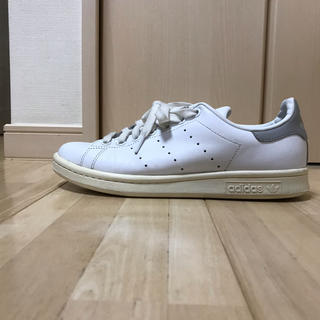アディダス(adidas)のアディダス adidas スタンスミス  24 グレー(スニーカー)