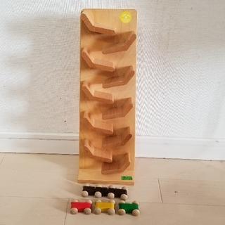 ボーネルンド(BorneLund)のジャンピングカートレイン ドイツベック社 木製おもちゃ(知育玩具)