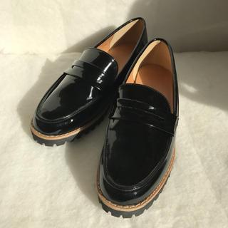ジーユー(GU)のGU エナメル ローファー(ローファー/革靴)