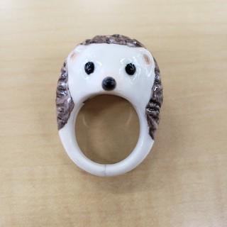 指輪 ハリネズミ 陶器(リング(指輪))