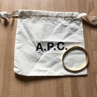アーペーセー(A.P.C)のA.P.C ゴールドブレスレット (ブレスレット/バングル)