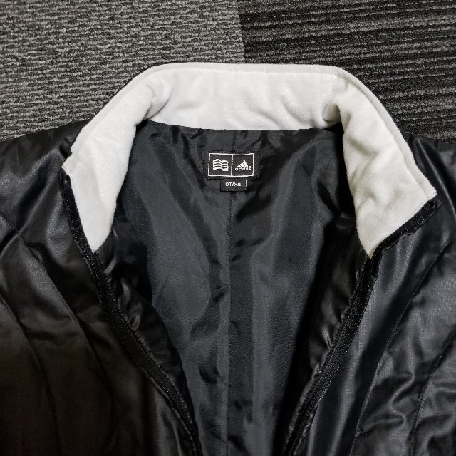 adidas(アディダス)のほぼ新品同様 adidas ナイロンジャケット レディースのジャケット/アウター(ダウンジャケット)の商品写真