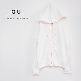 ジーユー(GU)の⚫️GU⚫️ 美品♪ スウェットフルジップパーカー L(パーカー)