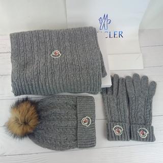 モンクレール(MONCLER)のMonclerモンクレールニート帽子マフラー手袋三点セットグレー(マフラー/ショール)