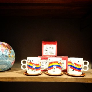 スヌーピー(SNOOPY)のピーナッツ60周年サンリオ50周年記念 スヌーピーマグカップ(グラス/カップ)