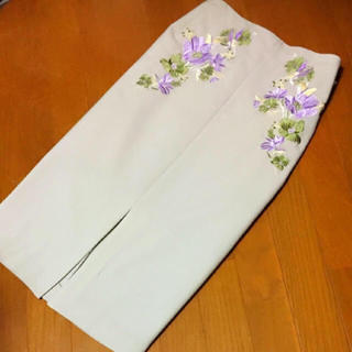 ViS - 【新品タグ無し】vis 花柄 カジュアルスカート