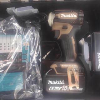 マキタ(Makita)のよーめん様専用マキタ 充電式インパクトドライバー TD171DRGX 18v(工具/メンテナンス)