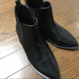 ショートブーツ、サイドゴア、黒ブーツ、ローヒール、ポインテッド(ブーツ)