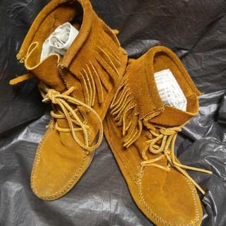 ミネトンカ(Minnetonka)の【美品】 ミネトンカ ショートブーツ 約24cm 本革(ブーツ)