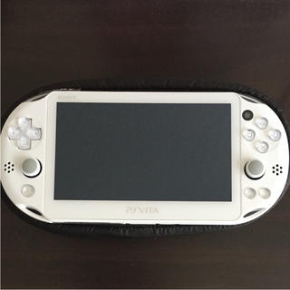 プレイステーションヴィータ(PlayStation Vita)のvita 2000 本体(携帯用ゲーム本体)