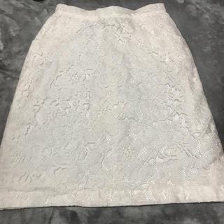 イエナ(IENA)のcheeky 白レーススカート(ひざ丈スカート)