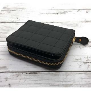 【ブラック】ステッチ柄二つ折り財布 コンパクト おしゃれ(財布)