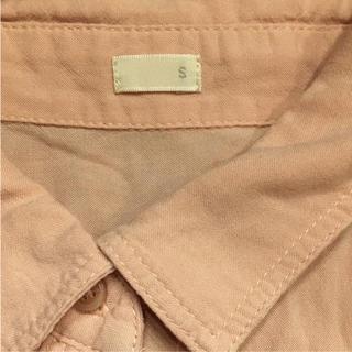 ジーユー(GU)のシャツ GU ピンク レディース   S ブラウス  トップス(シャツ/ブラウス(長袖/七分))