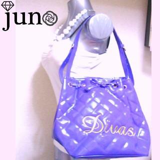 ディーバス(DIVAS)のDIVAS エナメル 巾着 バッグ 紫 パープル キルティング ロゴ(ハンドバッグ)