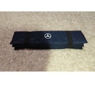 Mercedes-Benz 折りたたみクッション