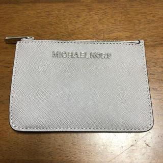 マイケルコース(Michael Kors)のMICHAEL KORS マイケルコース キーリング付きパスケース(グレー)♡(パスケース/IDカードホルダー)