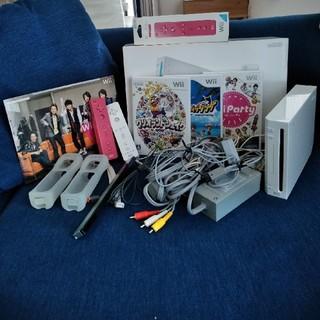 ウィー(Wii)のwii 本体 ソフト2本(家庭用ゲーム本体)