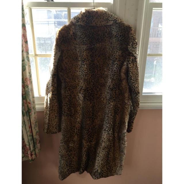 DKNY WOMEN(ダナキャランニューヨークウィメン)の新品同様 DKNY ファーコート レディースのジャケット/アウター(毛皮/ファーコート)の商品写真