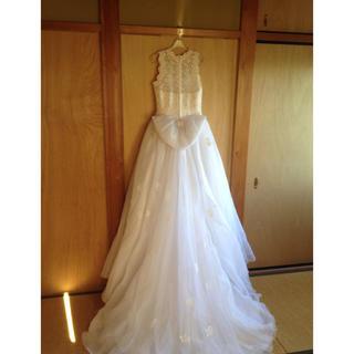 ウエディングドレス 白×オフホワイト スパンコール ビーズ トレーン リボン