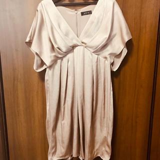 3f04a6742cbc2 エメ(AIMER)のAIMER 袖付きベージュタイトドレス(ミディアムドレス)