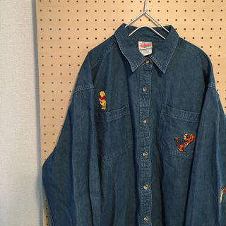 ディズニー(Disney)の古着 刺繍デニムシャツ ディズニー プーさん サイズM vintage(シャツ)