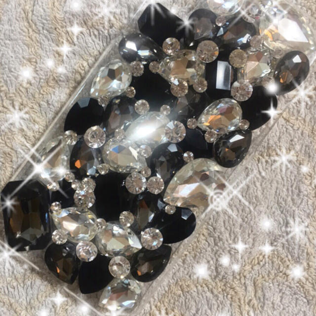 100 均 スマホケース 透明 iphone8 | キラキラ ガラスストーン デコ iphone ケース カバーの通販 by デコショップ  雅|ラクマ