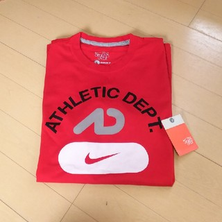 ナイキ(NIKE)のNIKE⭐️新品未使用タグつき⭐️Tシャツ⭐️Lサイズ⭐️レッド(Tシャツ/カットソー(半袖/袖なし))