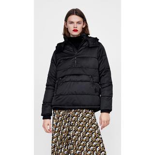 ZARA 中綿デザインプルオーバージャケット