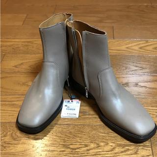 ザラ(ZARA)の新品未使用 ザラ ブーツ グッチ フェンディ 好きの方にも(ドレス/ビジネス)