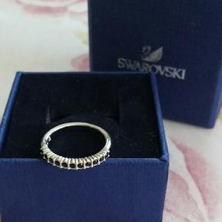 スワロフスキー(SWAROVSKI)のSWAROVSKI 黒ストーンリング スワロフスキー(リング(指輪))