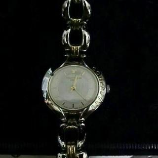 クレージュ(Courreges)のお値下げ中、クレージュのブレスウォッチです(*^^*)    (腕時計)