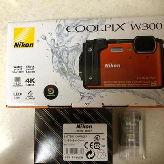 ニコン(Nikon)のNikon  COOLPIX  W300.純正バッテリー&チャージャーセット(コンパクトデジタルカメラ)